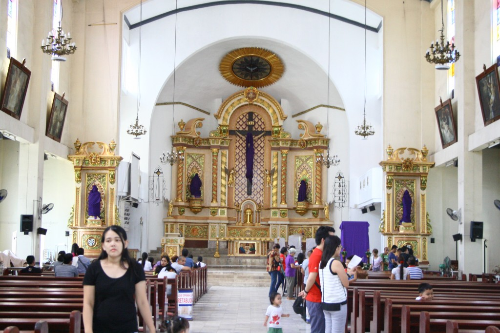 St. Thomas Aquinas Parish Altar