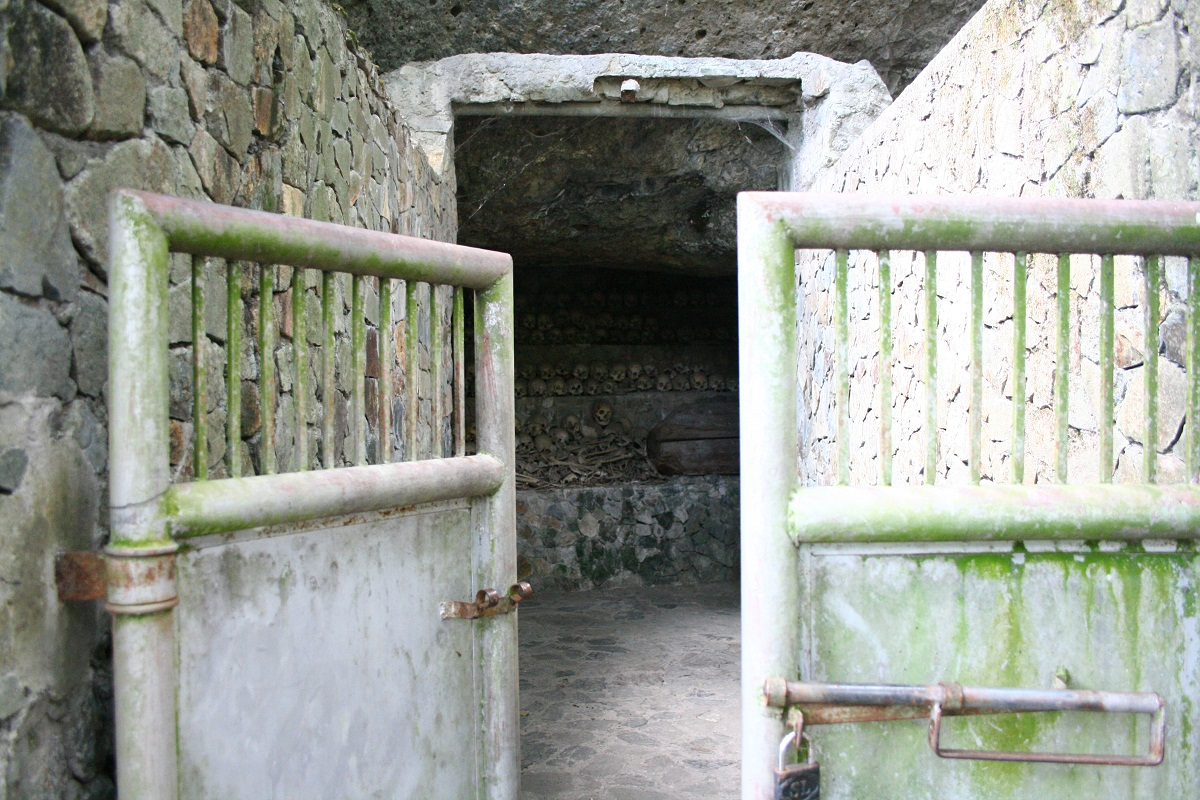 opdas burial cave